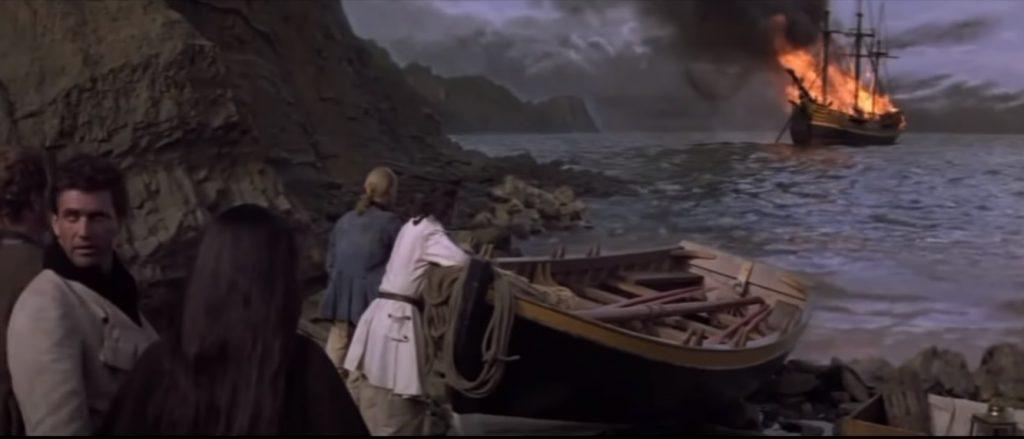 """Film """"The Bounty"""" z 1984 roku kończy się sceną spalenia statku u wybrzeży Wyspy Pitcairn."""