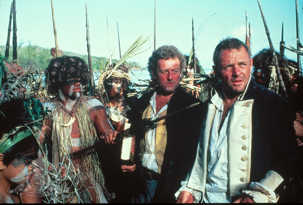 "Kapitan Bligh na Wyspie Tofua. Kadr z filmu ""The Bounty"""